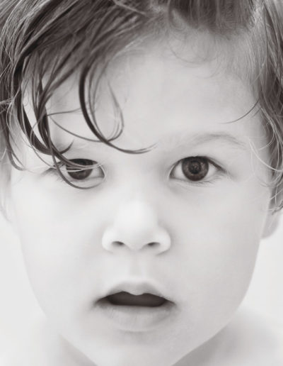 david_mandel_photography_black_and_white_toddler_portrait