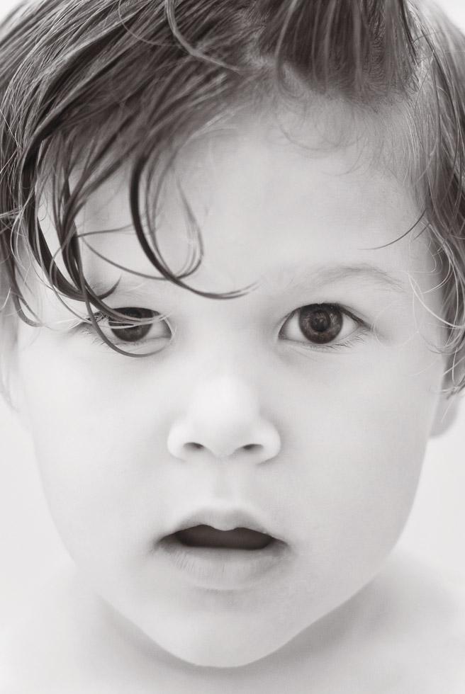 david_mandel_photography_black_and_white_toddler_portrait