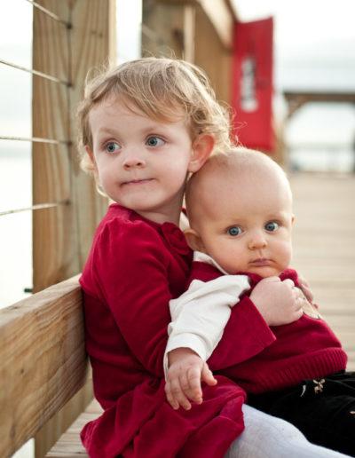 david_mandel_photography_brother_sister_christmas_portrait