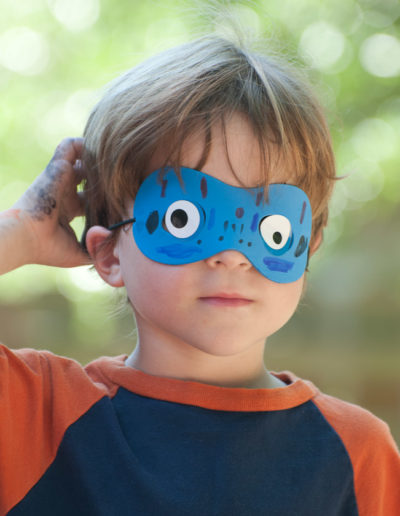 david_mandel_photography_kid_mask_googly_eyes